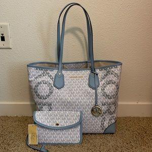Authentic Michael Kors Eva Large Tote Bag W/Pouch!